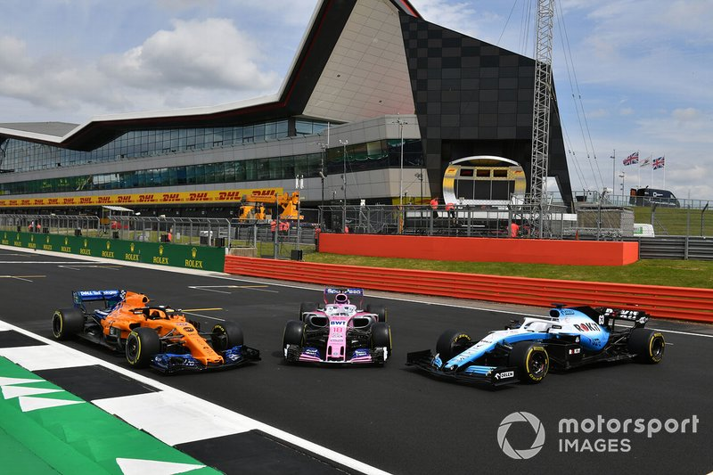 McLaren MCL34, Racing Point RP19 y Williams Racing FW42 en Silverstone
