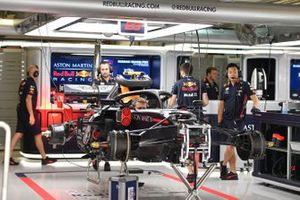 Un Red Bull Honda en el pit garage