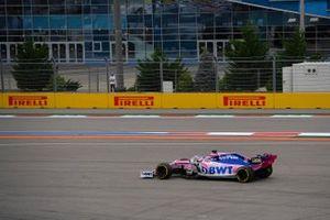Sergio Perez, Racing Point RP19, runs wide
