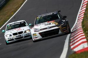 #819 Max Kruse Racing VW Golf – TCR: Jasmin Preisig, Loris Prattes