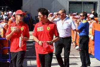 Sebastian Vettel, Ferrari, e Charles Leclerc, Ferrari
