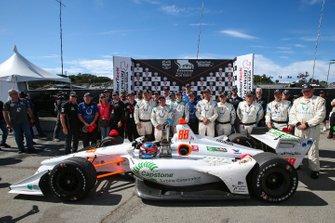 Победитель Колтон Херта с командой Harding Steinbrenner Racing Honda