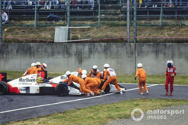 Em uma delas, em 1989, aconteceu um dos mais polêmicos finais de campeonato, com Ayrton Senna e Alain Prost batendo, com o francês abandonando e o brasileiro conseguindo voltar, para vencer. Logo em seguida, Senna foi desclassificado, com o título caindo no colo de Prost.