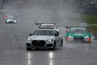 Safety car in pista