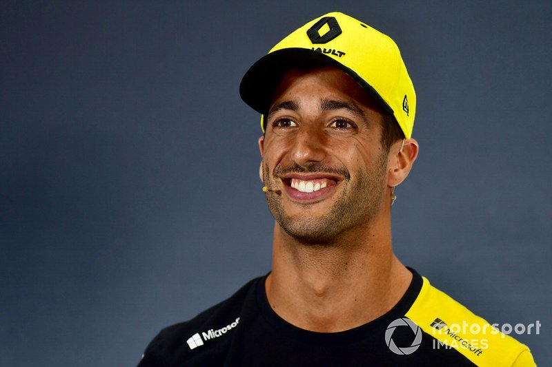 Daniel Ricciardo, Renault F1 Team R.S.19 in the Press Conference