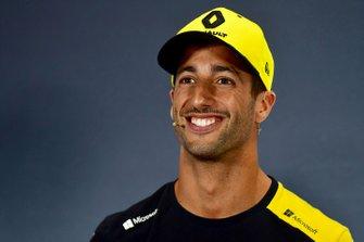 Daniel Ricciardo, Renault F1 Team R.S.19 in the Press Conference