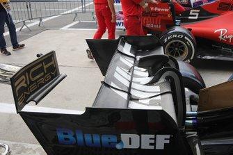 Haas F1 Team VF-19 rear wing detail
