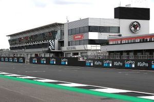 Silverstone pits overview