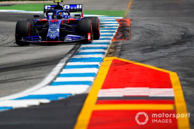 16 - Alexander Albon, Toro Rosso STR14 - 1'13.461
