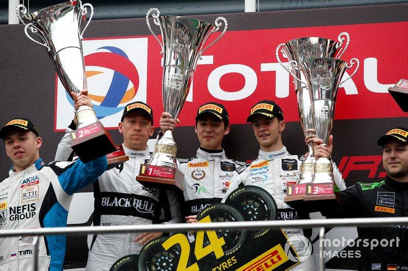 Podium Silver: Winner #78 Barwell Motorsport Lamborghini Huracan GT3 2019: James Pull, Jordan Witt, Sandy Mitchell