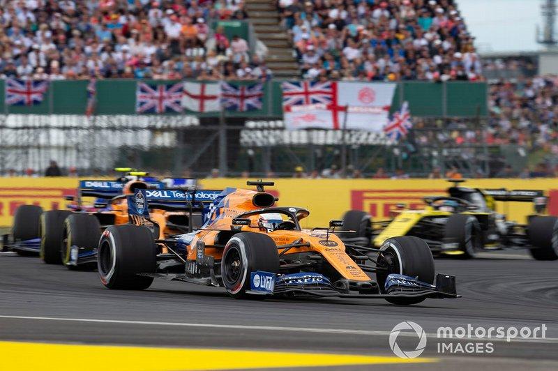 Carlos Sainz Jr., McLaren MCL34, Lando Norris, McLaren MCL34