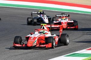 Frederik Vesti, Prema Racing leads Oscar Piastri, Prema Racing and Alexander Smolyar, ART Grand Prix