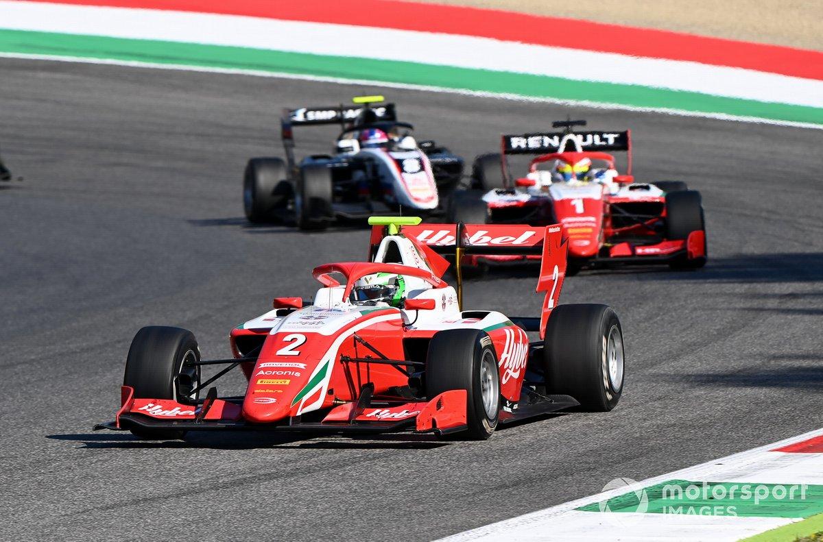 Frederik Vesti, Prema Racing precede Oscar Piastri, Prema Racing e Alexander Smolyar, ART Grand Prix