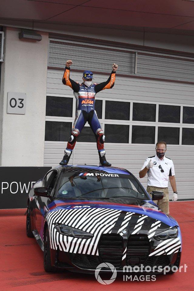 Ganador de la carrera Miguel Oliveira, Red Bull KTM Tech 3 con su nuevo BMW