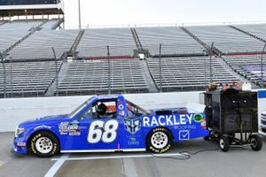#68: Clay Greenfield, Clay Greenfield Motorsports, Toyota Tundra Rackley Roofing