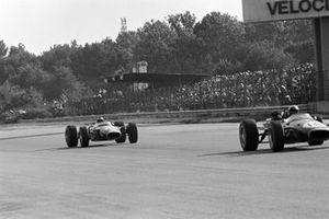 Jack Brabham, Brabham BT24, Jim Clark, Lotus 49