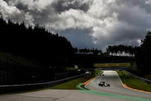 Sebastian Vettel, Ferrari SF1000, George Russell, Williams FW43