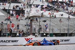 Race 1 winner: Scott Dixon, Chip Ganassi Racing Honda