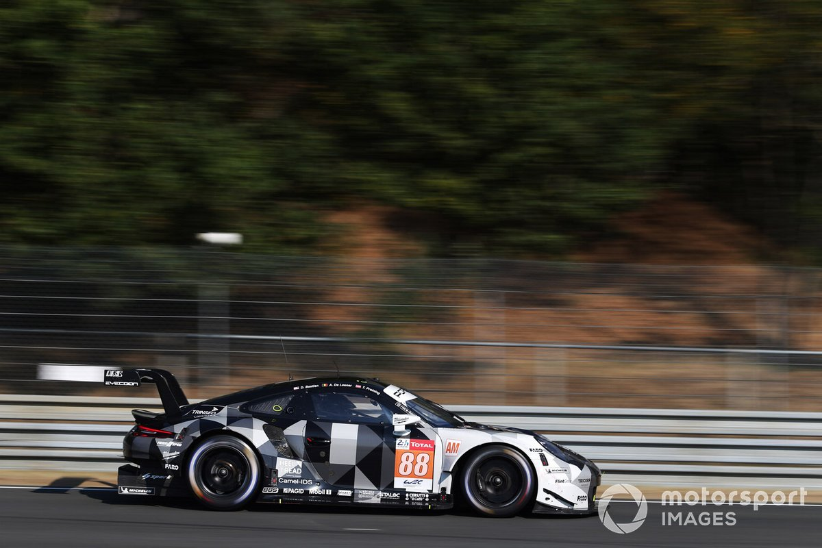 #88 Proton Competition Porsche 911 RSR: Thomas Preining, Dominique Bastien, Adrien De Leener