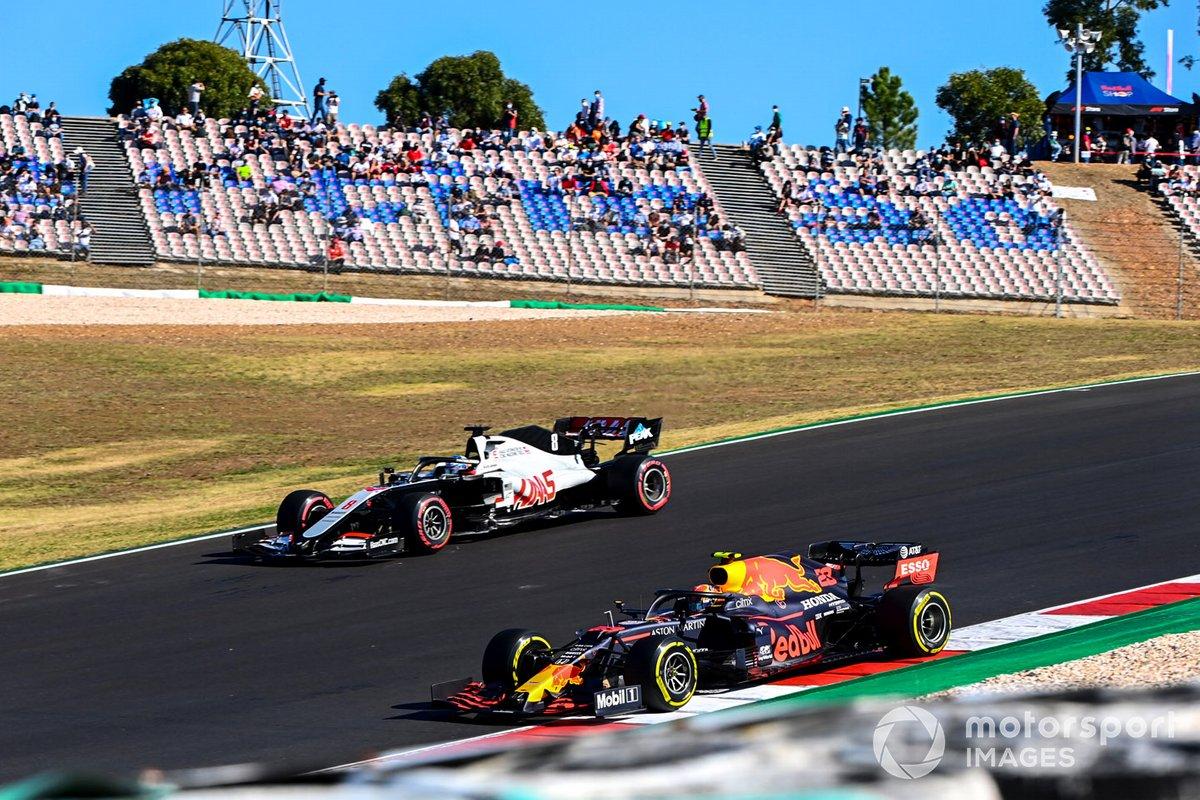 Alex Albon, Red Bull Racing RB16, Romain Grosjean, Haas VF-20
