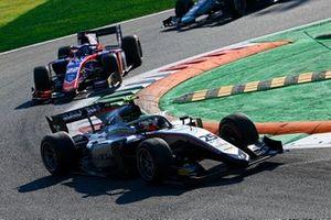 Luca Ghiotto, Hitech Grand Prix e Roy Nissany, Trident