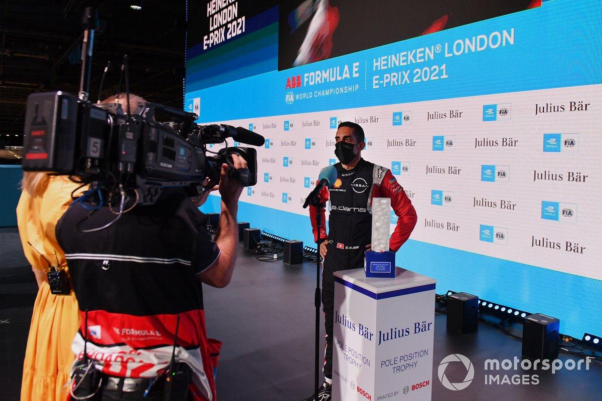 Sebastien Buemi (Nissan e.Dams) es entrevistado tras la clasificación