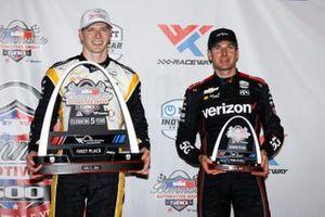 Ganador Josef Newgarden, Team Penske Chevrolet, tercer lugar Will Power, Team Penske Chevrolet