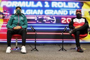 Lance Stroll, Aston Martin, en Kimi Raikkonen, Alfa Romeo Racing, in de persconferentie