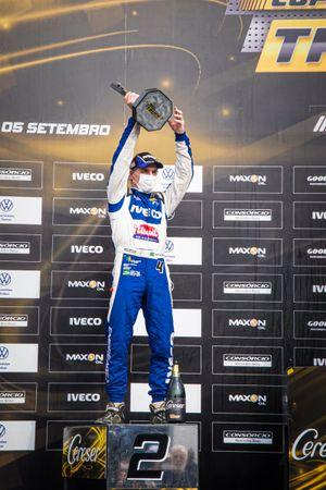Felipe Giaffone celebra pódio na etapa de Curitiba da Copa Truck