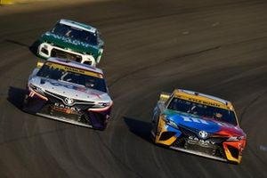 Kyle Busch, Joe Gibbs Racing, Toyota Camry M&M's Ethel M, Denny Hamlin, Joe Gibbs Racing, Toyota Camry FedEx Office