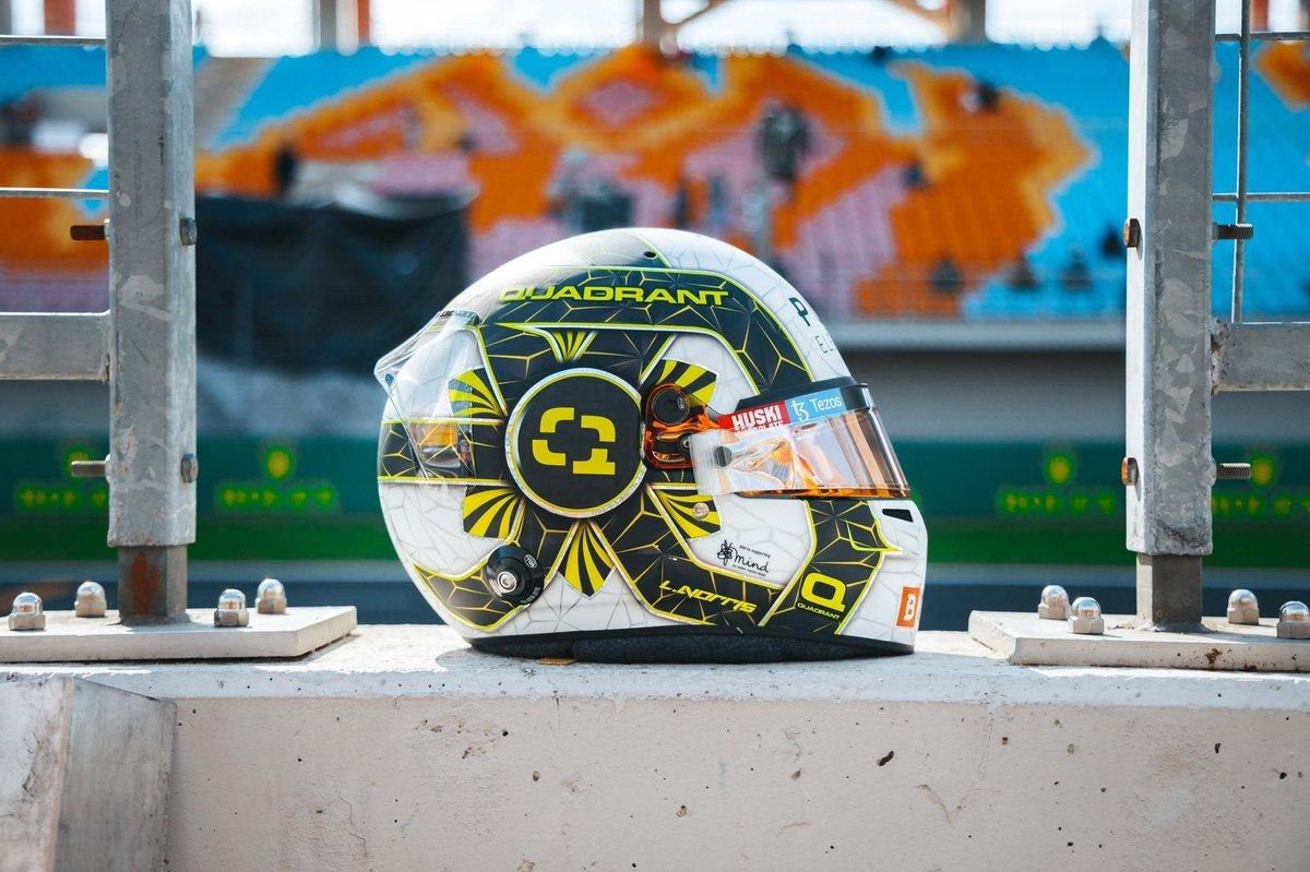 Casco especial de Lando Norris, McLaren