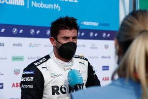 Racewinnaar Norman Nato, Venturi Racing, 1e positie, wordt geïnterviewd