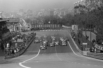 Start zum GP Spanien 1971 in Montjuich: Jacky Ickx, Ferrari 312B, führt