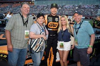 Kurt Busch, Chip Ganassi Racing, Chevrolet Camaro GEARWRENCH/Monster Energy, with guest