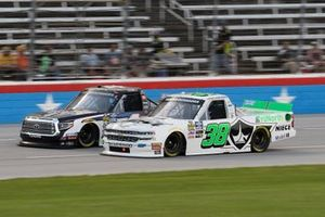 Todd Gilliland, Kyle Busch Motorsports, Toyota Tundra Mobil 1, Ross Chastain, Niece Motorsports, Chevrolet Silverado Niece Equipment