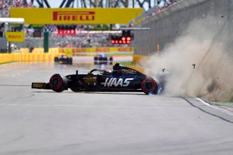 Kevin Magnussen, Haas VF-19, crashes out towards the end of Q2