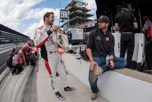 Marco Andretti, Andretti Herta with Marco & Curb-Agajanian Honda talks to Alexander Rossi, Andretti Autosport Honda