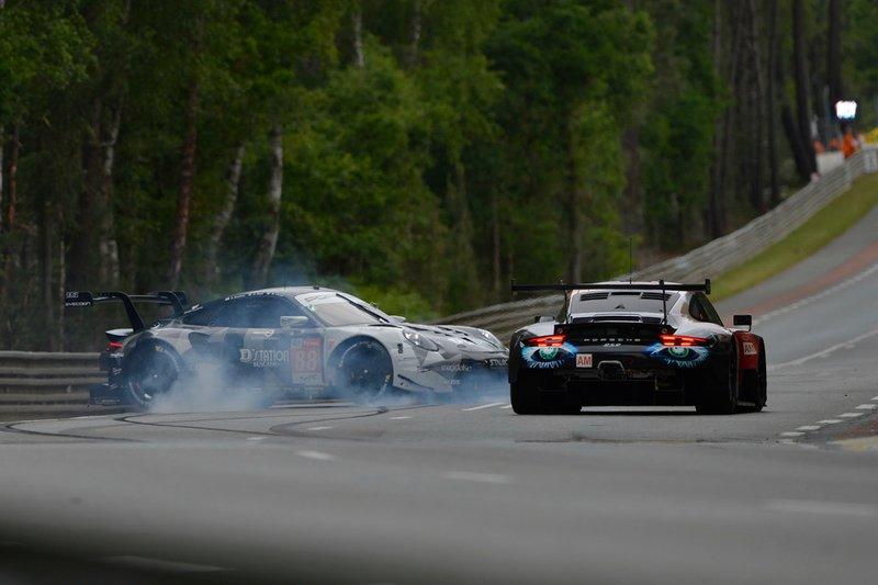 #88 Dempsey Proton Competition Porsche 911 RSR: Matteo Cairoli, Giorgio Roda, Satoshi Hoshino spins