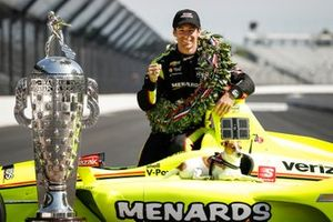 Simon Pagenaud, Team Penske Chevrolet with his dog Norman