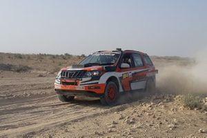 Sunny Sidhu, Ashwin Naik, Mahindra Adventure Super XUV300