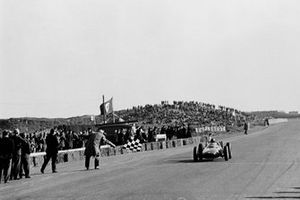 Winner Graham Hill, BRM P57