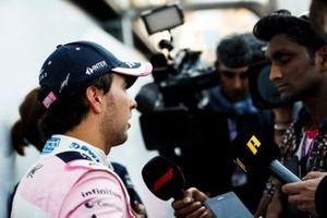 Sergio Perez, Racing Point, viene intervistato
