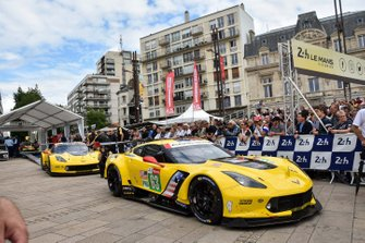 #63 Corvette Racing Chevrolet Corvette C7.R, #64 Corvette Racing Chevrolet Corvette C7.R