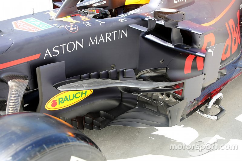 Red Bull Racing: bargeboard modificato