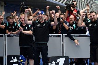 Petronas Yamaha SRT viert de pole-position