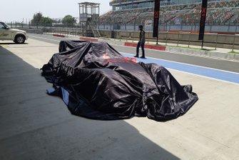 El coche bajo las cubiertas de la X1 Racing League