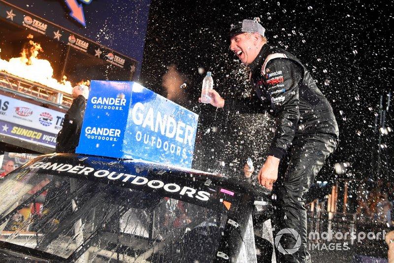 Race winner Greg Biffle, Kyle Busch Motorsports, Toyota Tundra
