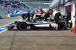 Sébastien Buemi, Nissan e.Dams, Nissan IMO1, rolls back into the garage