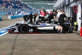 Sébastien Buemi, Nissan e.Dams, Nissan IMO1, in de pits