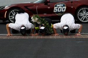 Simon Pagenaud, Team Penske Chevrolet, Victory Lane, Corvette Pace Car, Roger Penske, Tim Cindric
